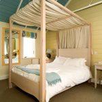 Headland hotel bespoke bed by Gloweth